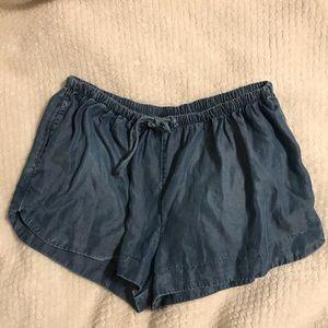 Size medium denim style shorts